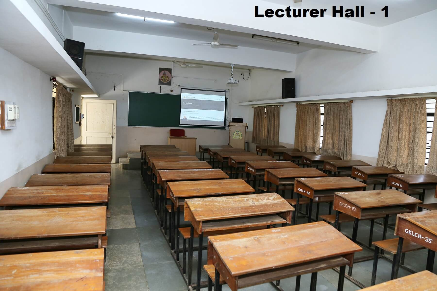 lecturer-hall1