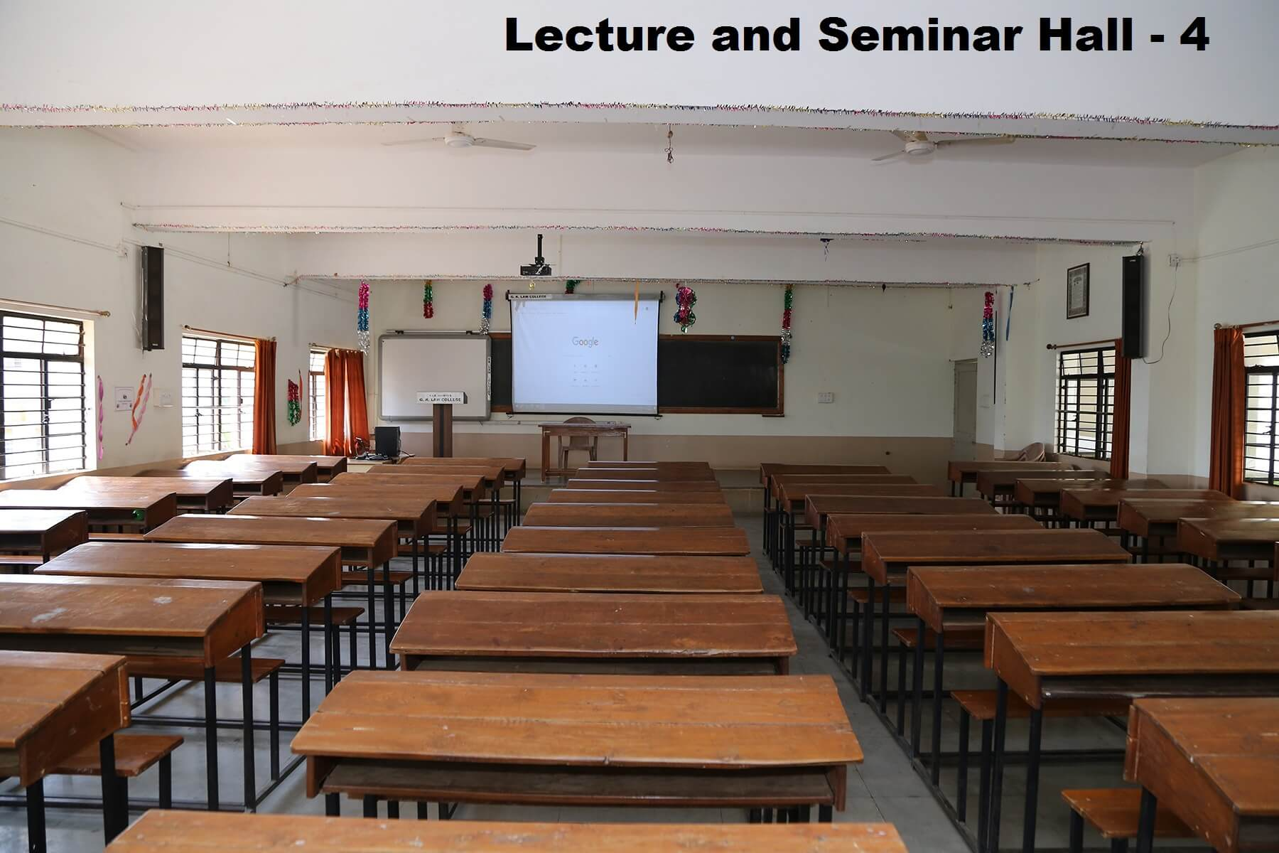 lecturer-hall4