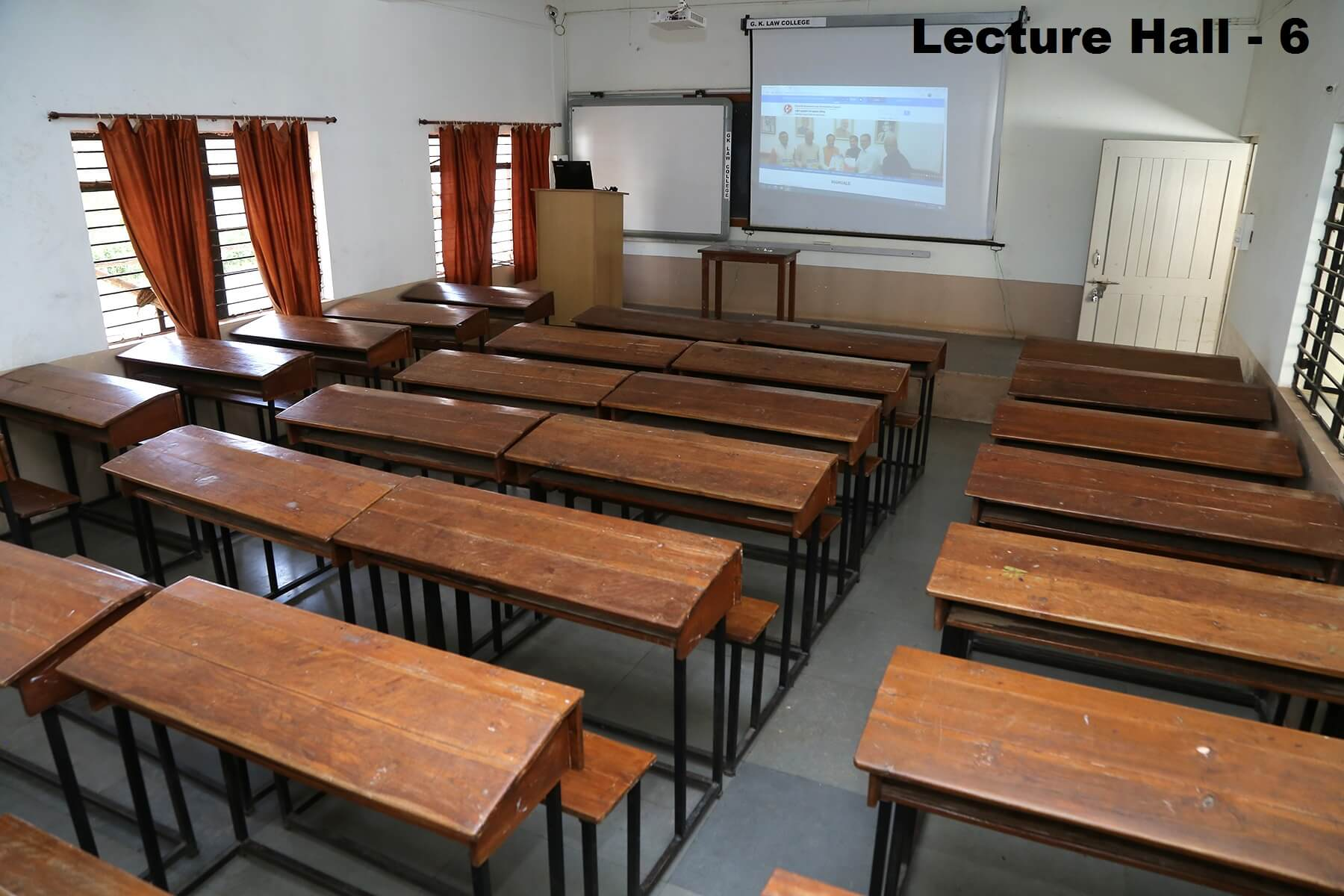 lecturer-hall5