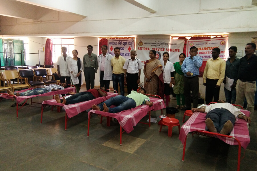 Guest Lecture and Blood Donation Camp was organised in assn. with R.B.Patil Cancer Hospital dated 20-03-2018